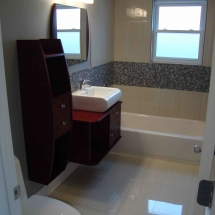 Small bathroom with modern design